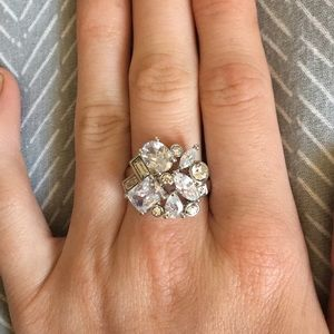 Jewelry - Fake diamond ring
